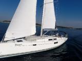 Naviguer avec un catamaran à voile ou monocoque?